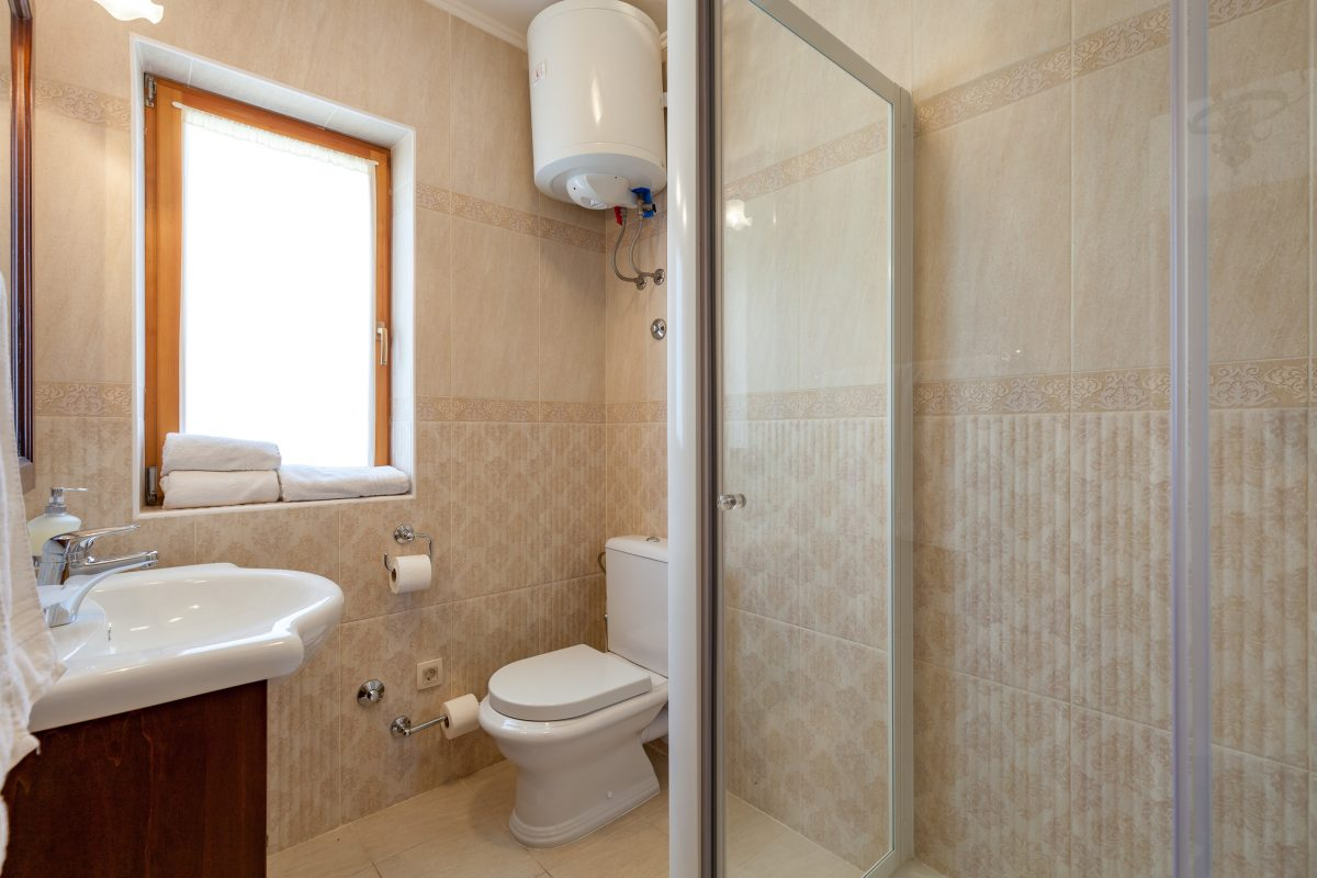 Shower cabin bathroom in the Villa Vjeka