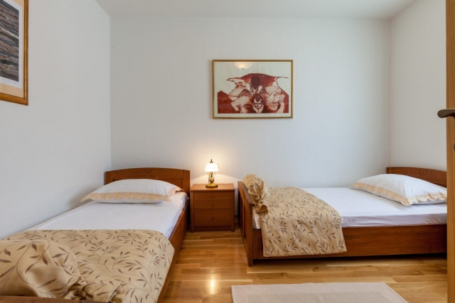 Twin bedded room in the Villa Vjeka