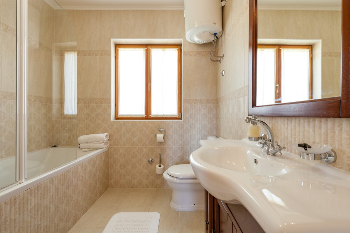 Bathtub bathroom in the Villa Vjeka