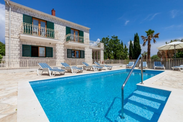 Villa Vjeka with the private swimming pool and sunbeds