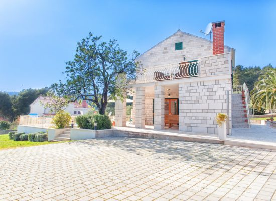 Rent a Stone Villa Vjeka In Croatia
