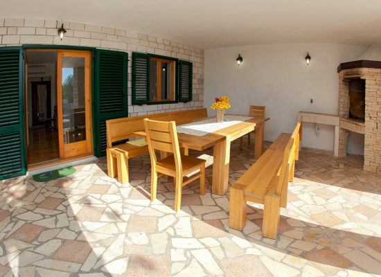 Croatian holidays | Rent a Villa Vjeka